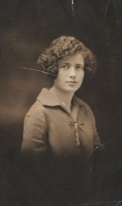 This is Libby, the half sister Dora was writing to in the U.S.A. She could not have had real memories of Libby. The photo is dated April 27, 1925 stamped by a US photographer's studio. Dora was only born in 1920...