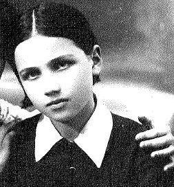 Dora 1935
